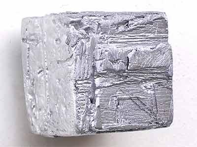 Sans Titre - Sculpture miniature en plomb et étain coulé